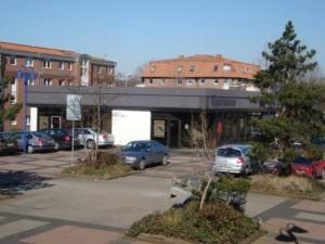 5_parkplatz_fuer_schuler_und_patienten.jpg